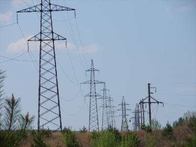 В 2016 году филиал «Кировэнерго» планирует снизить технические потери в электросетях на 1, 9 миллиона кВтч