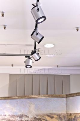 Трековые светильники серии Well Track. Низкое энергопотребление при ярком световом потоке. Надежная светотехника торгового освещения.