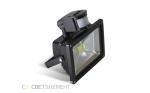 Выбираем оптимальный светодиодный прожектор для дачи